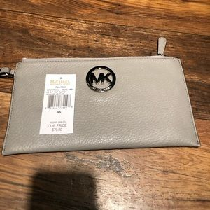 MICHAEL Michael Kors Bags - NWT AUTHENTIC MK PEARL GREY FULTON LG ZIP CLUTCH
